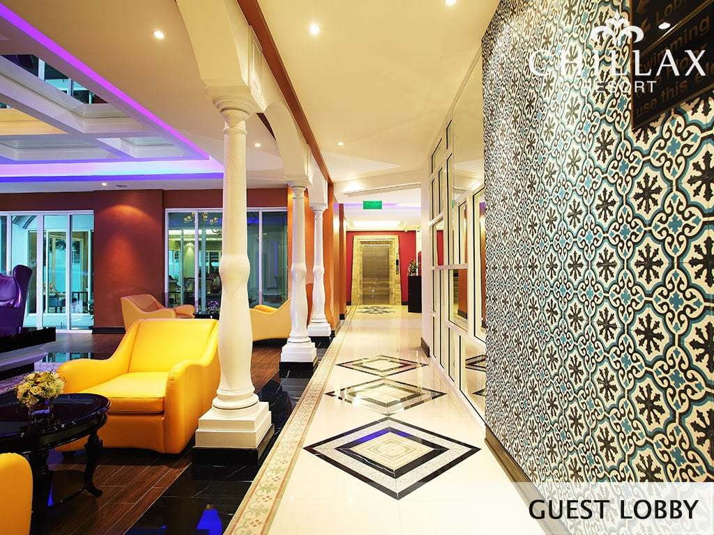 Colonial themed luxury guest lobby hotel bangkok for Modern boutique hotel