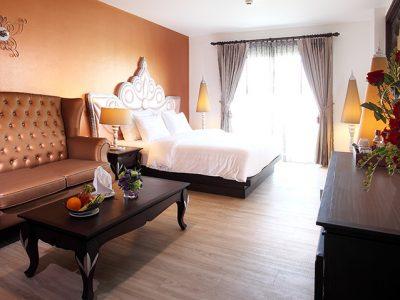 Best luxury hotel near Khaosan road
