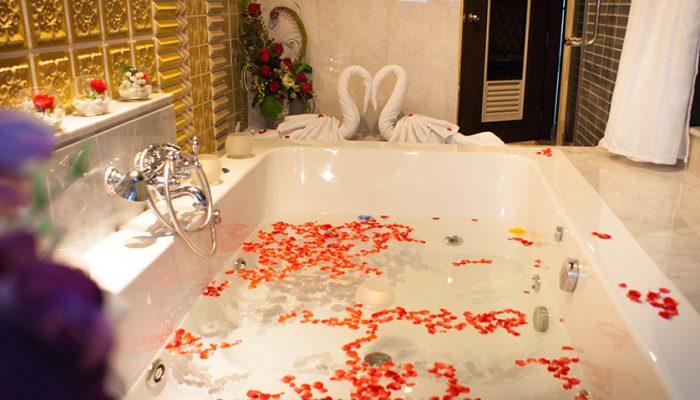 Whirlpool bath tub at chillax resort Bangkok